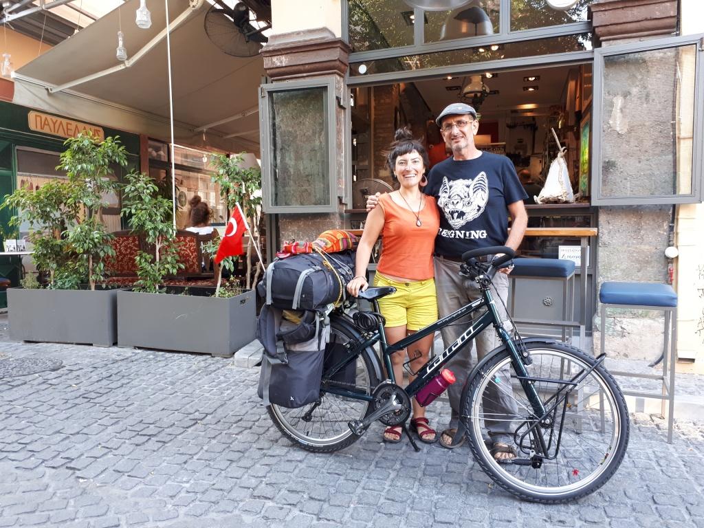 İtalya rotası - Bisiklet sosyalleşmek için süper bir aracı, Midilli'de tanıştığım Stelios ile birlikte...