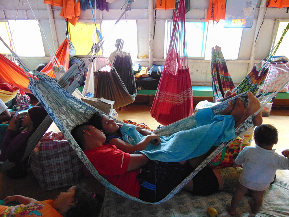 Amazon Nehri üzerinde Pucallpa şehrinden İquitos şehrine yapılan gemi yolculuğu