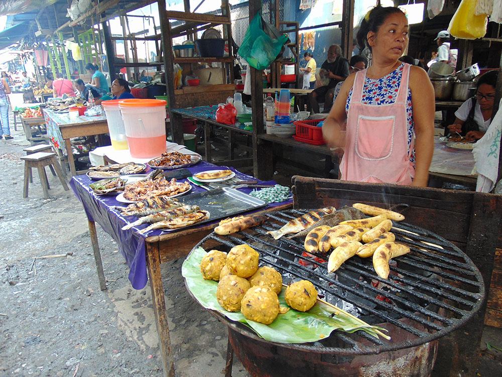Peru Amazonları'nda en çok tüketilen yiyecekler balık ve muz